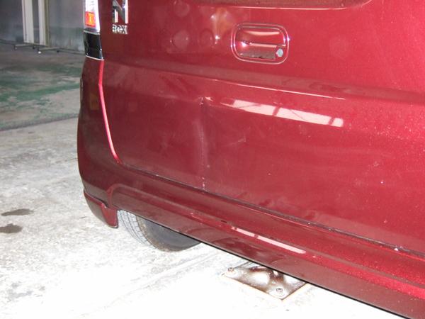 ホンダ N-BOX バックドア 板金塗装